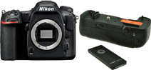Nikon D500 + Jupio Battery Grip