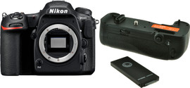 Nikon D500 Body + Jupio Battery Grip
