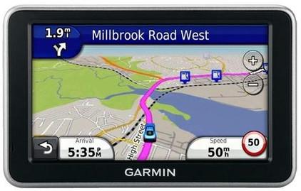 Garmin Nuvi 2340 + Tas + Thuislader + Dashboard Donut