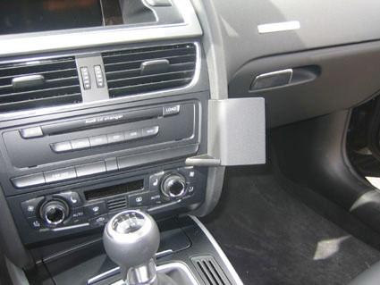 Brodit ProClip Audi A4/A5/S5 à partir de 2008  Fixation en Angle Droit Main Image