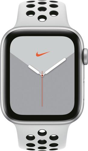 Apple Watch Nike Series 5 44mm Zilver Aluminium / Witte Sportband Main Image