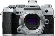 Olympus OM-D E-M5 III Boitier Argent