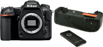 Nikon D500 + Poignée d'alimentation Jupio