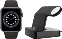 Apple Watch Series 6 44mm Space Gray Zwarte Sportband + Belkin Docking Station Zwart
