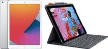 Apple iPad (2020) 10.2 inches 128GB WiFi Silver + Logitech Keyboard Cover AZERTY