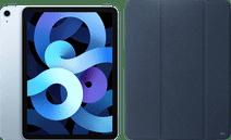 Apple iPad Air (2020) 10.9 inch 64 GB Wifi Hemelsblauw + Xqisit Piave Book Case Blauw Apple iPad Air