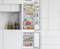 Samsung BRB30705EWW Built-in fridge-freezer combination